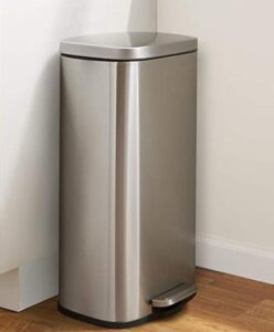 8 gallon trash can with foot pedal