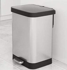 Glad cheap 13 gallon trash can