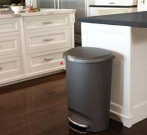 13-gallon plastic garbage can