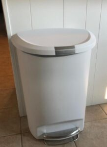 simplehuman white garbage can with 13 gallon capacity