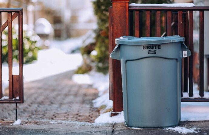 best 20 gallon garbage can for outdoor