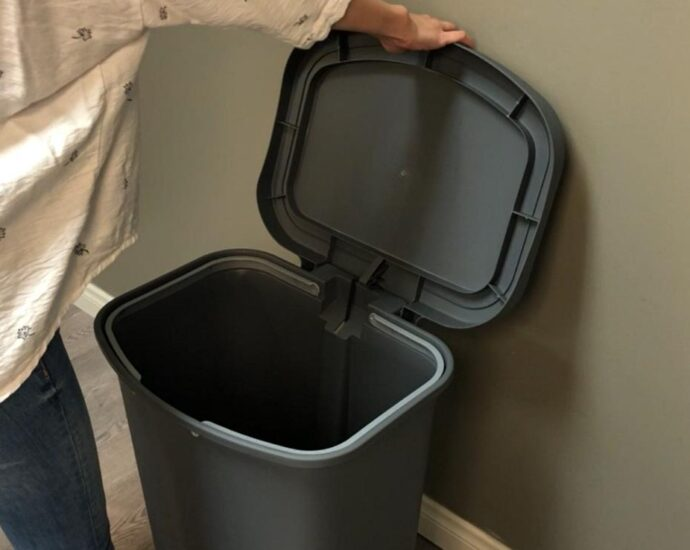 GLAD GLD 74030 trash can with bag ring