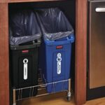 Rubbermaid 2026695 Garbage Can (A Full Review in 2021)