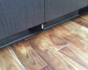 kitchen sink grinder with toe kick switch